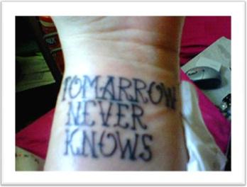 erros de ortografia em tatuagem, inglês, tomorrow never knows, tomarrow
