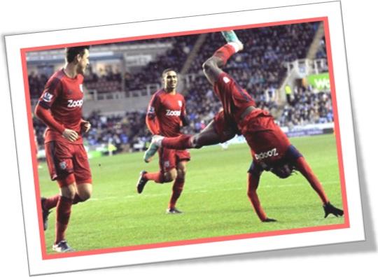 acrobatic soccer player, jogador de futebol acrobata