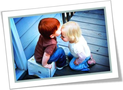 plant a kiss on somebody forehead, menino beija testa de menina