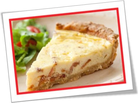 quiche lorraine, quiche tradicional feita com bacon, presunto e queijo