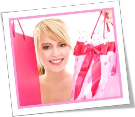 she is carefree, mulher moça jovem fazendo compras, sacolas, bolsas de mercadorias
