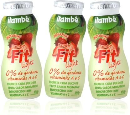 iogurte itambé fit light com suco de fruta sabor morango