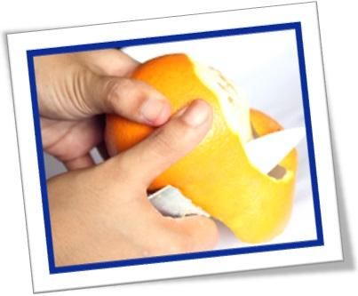 peel the orange, homem descasca laranja, tangerina, descascar frutas