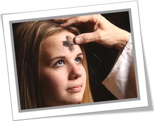 ash wednesday quarta-feira de cinzas menina católica cruz padre missa