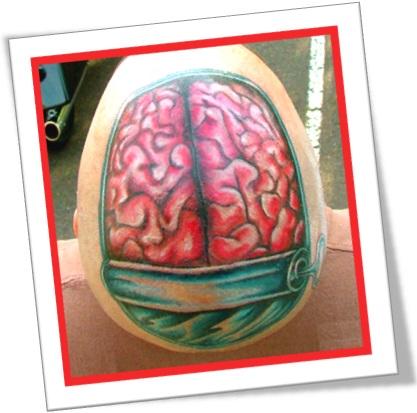 cabeça tatuada, tattooed head, tatuagem de cérebro na cabeça
