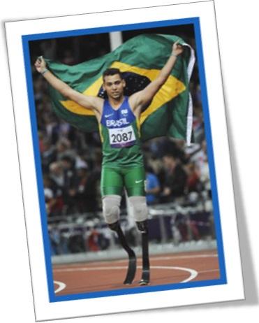 alan fonteles cardoso oliveira levanta bandeira do brasil nas olimpíadas de londres