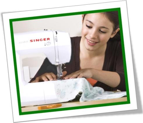mulher costureira moda usando máquina de costura singer