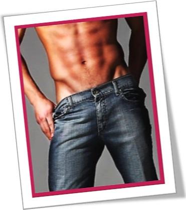 man wearing jeans, homem seminu, calça jeans