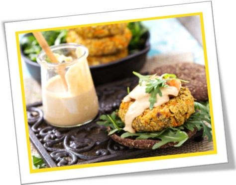 hamburguer vegano com maionese caseira, hambúrguer vegano, lanche natural