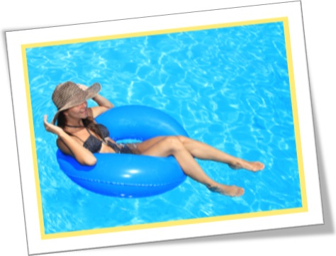 woman, swimming pool, be sitting pretty in english