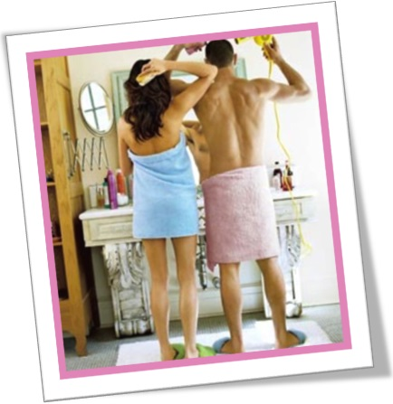 casal no banho, homem e mulher no banheiro, protege, protegee