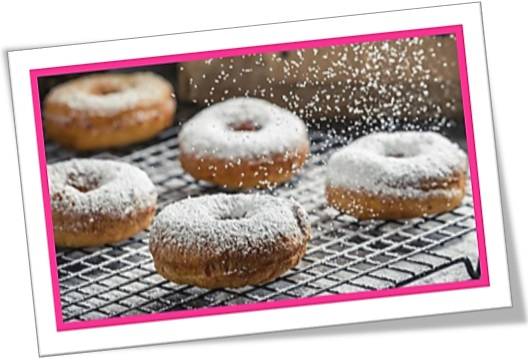 rosquinhas, ring donuts, doughnut, icing sugar, açúcar de confeiteiro