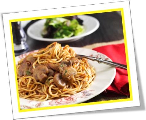 macarrão com molho de cogumelo, pasta with mushroom sauce
