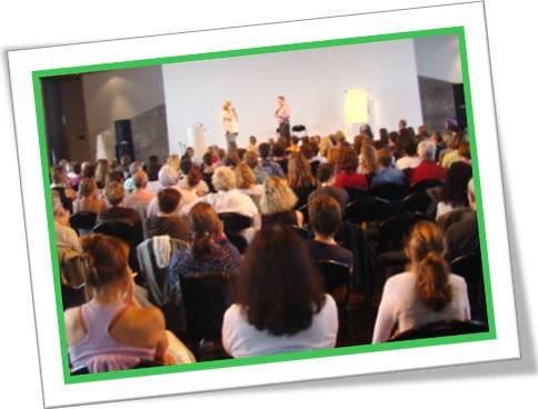 speak up, falar mais alto, auditório, audição, palestra, conferência